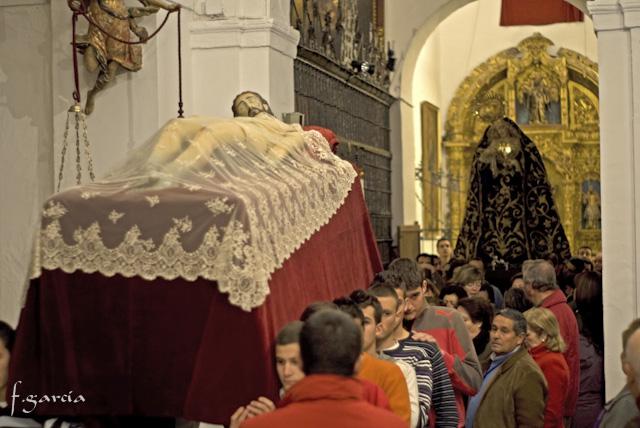 GALERÍA DE IMÁGENES DEL TRASLADO DE NUESTRAS SAGRADAS IMÁGENES AL ALTAR DE CULTOS