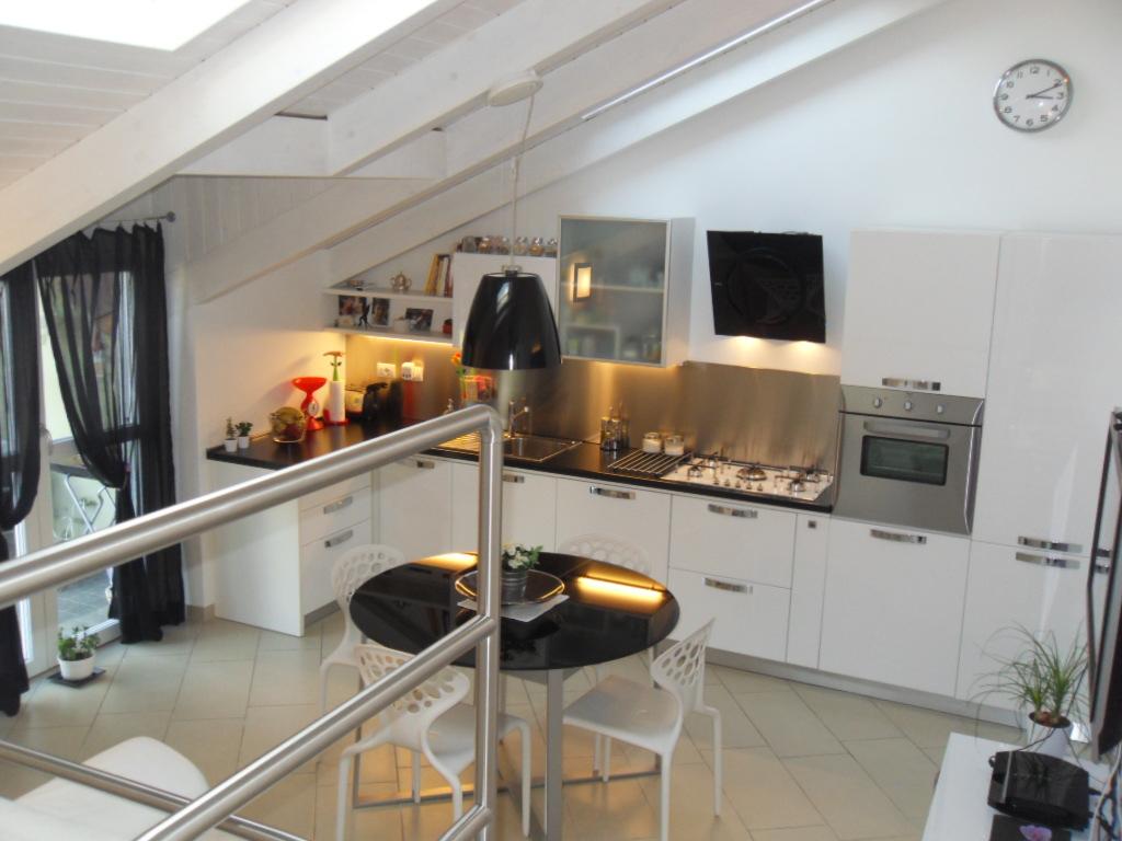 Cucine per mansarda cucine in muratura per piccoli spazi