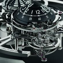 """心を奪われる、複雑機械の美しさ。精巧な機械式置時計""""Starfleet Machine"""""""