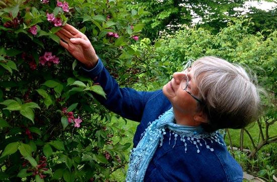 Barbara Tranberg har studeret det spirituelle værk 'Et Kursus i Mirakler' (EKIM) siden 1988, og var med til at læse korrektur på den danske udgave afKurset.