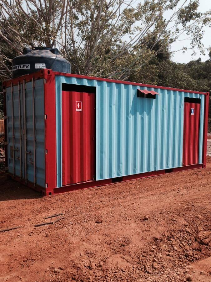 Banheiro com container Dry