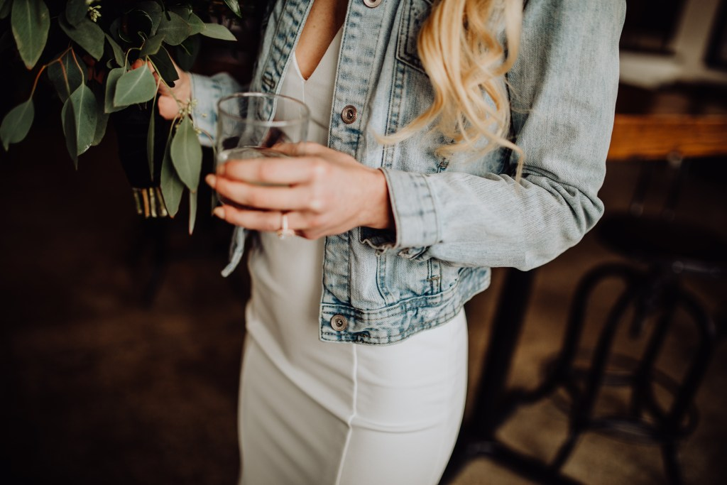 To the girl who is single or waiting for a ring during engagement season | Miranda Schroeder Blog  https://mirandaschroeder.com/  #EngagementRing #VintageEngagementRing #Waiting #Single #EngagementSeason