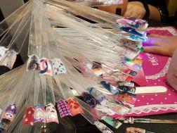 Muestra de decoración de uñas que se pueden realizar con una impresora digital