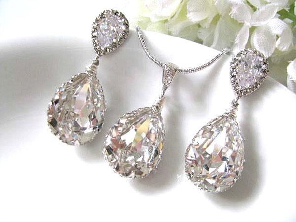 Imagini pentru bijuterii cu swarovski