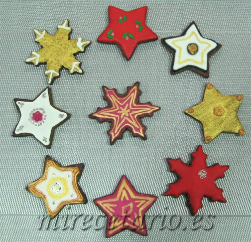 Variedad de galletas decoradas con forma de estrella