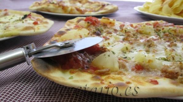 Las tres pizzas y unas patatas fritas para acompañar, (nos pusimos las botas)