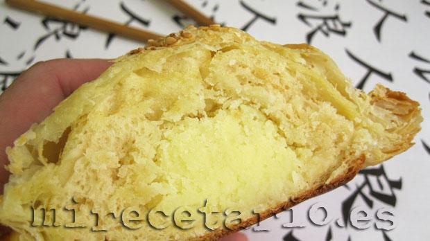El corte la miga y el relleno del pan.