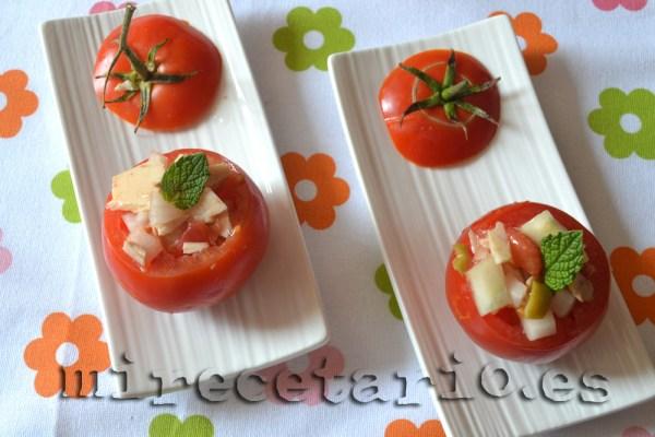 Tomates rellenos de ensalada
