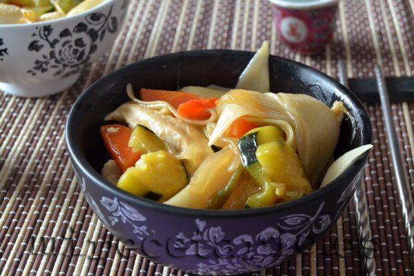 Wok de pollo con salsa terayaki
