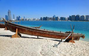 uae-abu-dhabi-heritage-village-beach