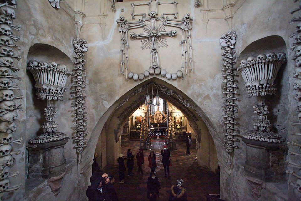 igreja de ossos Sdlec republica tcheca