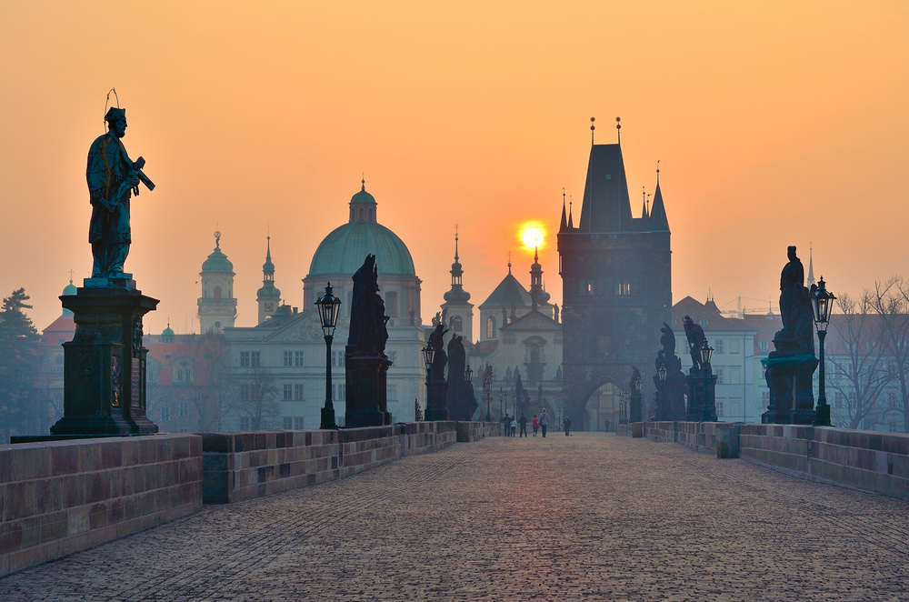 orbitz-prague-charles-bridge