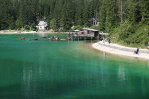 Lago di Braies, um paraíso natural no sul do Tirol - Dolomitas - Itália