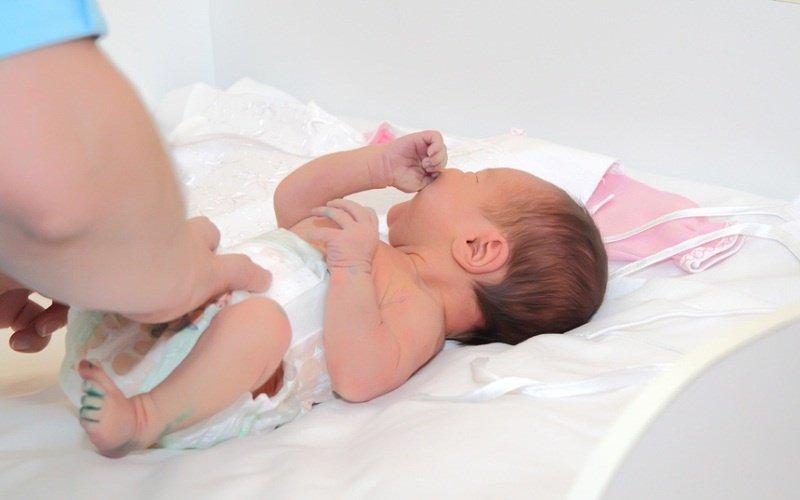 Выделения из половых путей у новорожденных. Естественные выделения у новорожденных