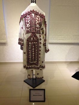 A traditional Balushi outift. The Balushis are another group within Oman however they are also located near Pakistan and India and other places in the Gulf.