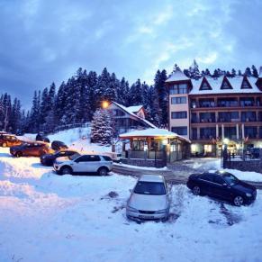 Hotel Cumpatul Oferta Revelion (1)