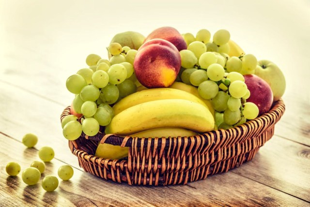 """""""An apple a day keeps the doctor away"""", The benefits of consuming Apples and other Fruits we had no clue about 2 MUGIBSON WRITES"""