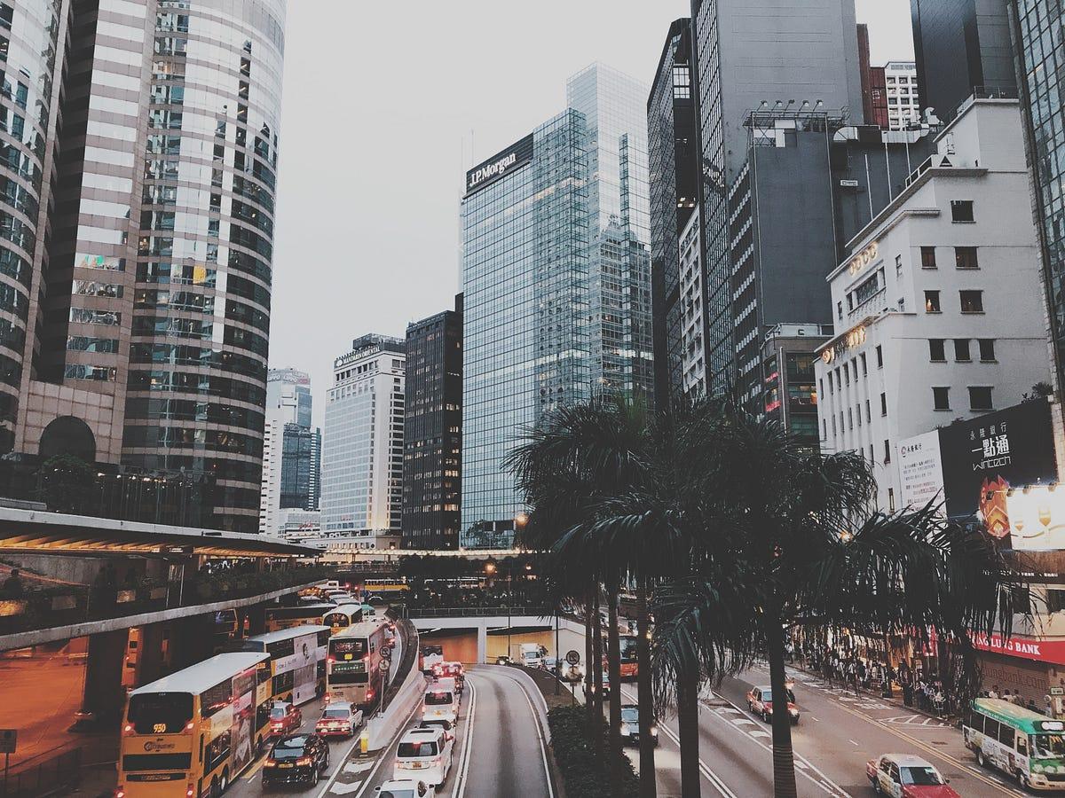 我在香港滙豐銀行實習學到的事. 大三生的職場鍛鍊心得 | by Ruby Chen | Ruby's Blog | Medium