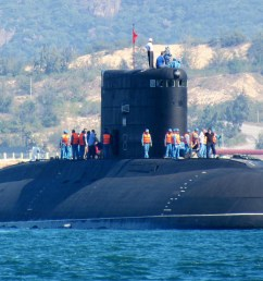 picture of a vietnamese kilo submarine [ 1838 x 1173 Pixel ]