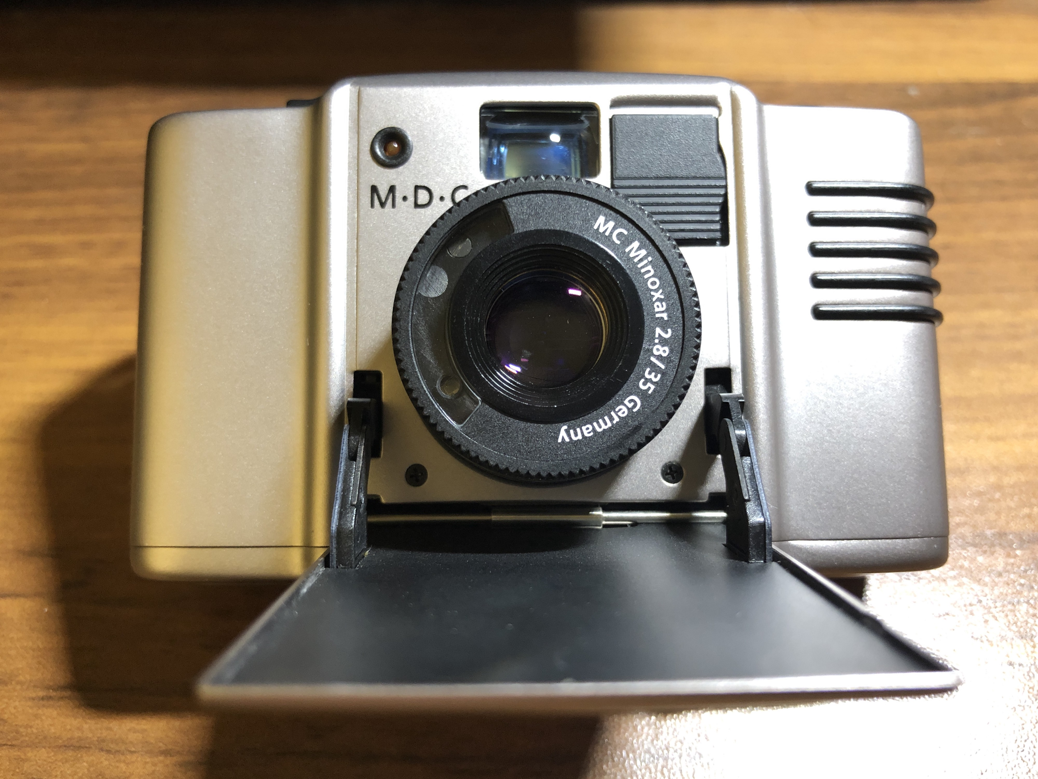 Minox 35 series| Minox M.D.C. 如果你在找小巧精緻。成像不凡 內、外在兼顧的135底片相機 minox… | by Joe Chen | 變成 ...
