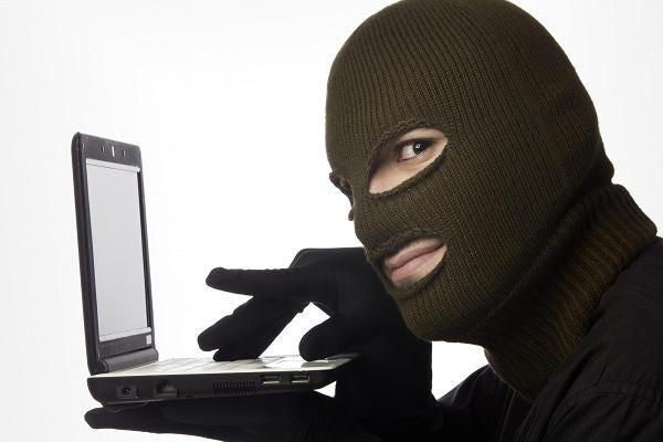 Real-Time image of villain sending phishing email.
