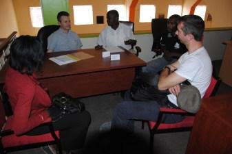 _9 cumparand mobila din Kampala