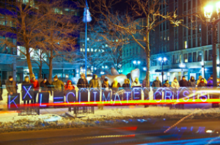No KXL Candlelight Vigil in Milwaukee (Image by Joe Brusky)