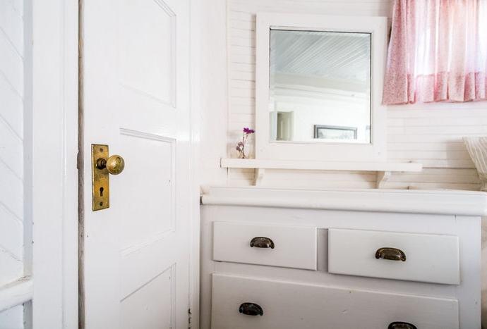 How To Hang Mirror On A Hollow Door