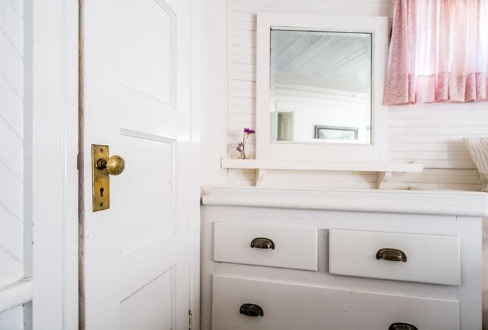 How To Hang Mirror On A Hollow Door