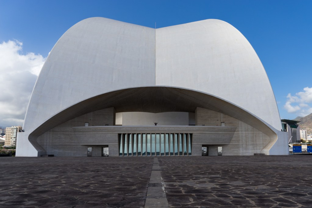 Das Auditorio de Santa Cruz auf Teneriffa am Tag