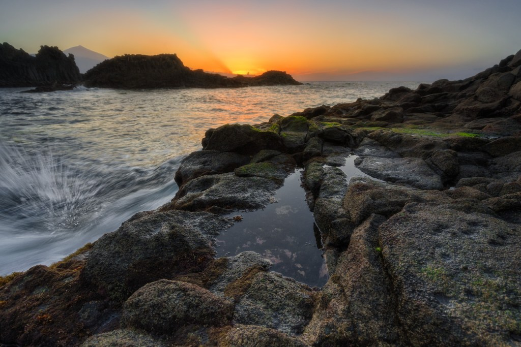 El Pris nach Sonnenuntergang mit Wasser