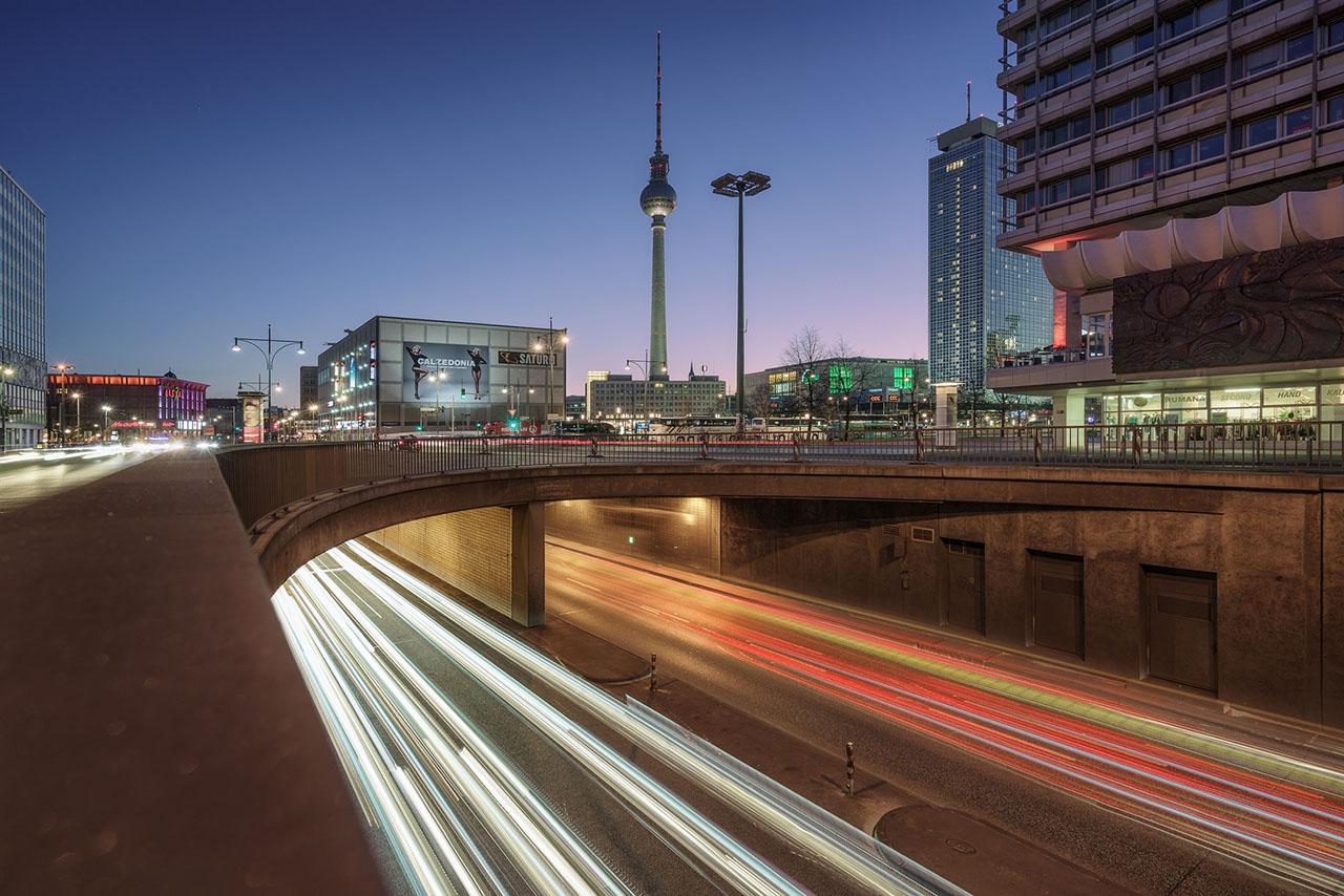 Der Alexanderplatz in Berlin mit Fernsehturm
