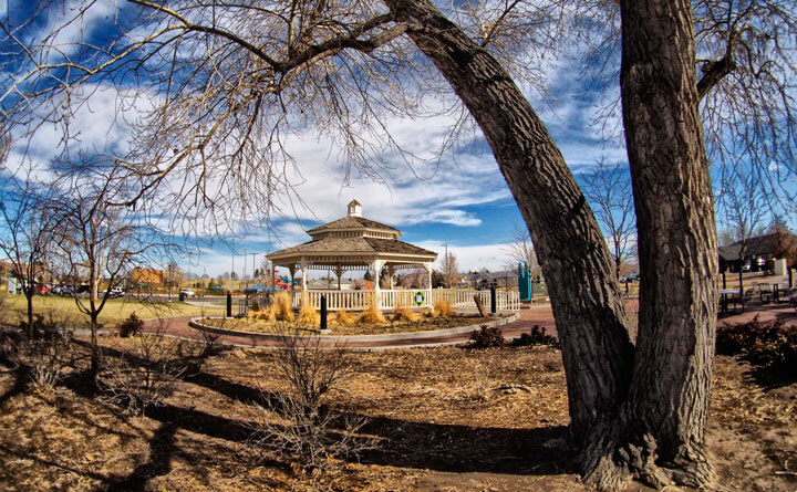 Shooting a Gazebo with Oly's 9mm f/8 Fisheye Lens