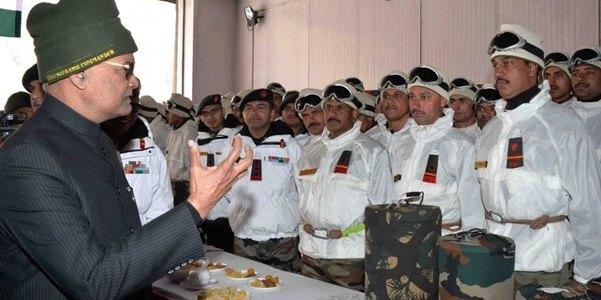 राष्ट्रपति कोविंद पहुंचे सियाचिन, जवानों से कहा देश आपके साथ है।