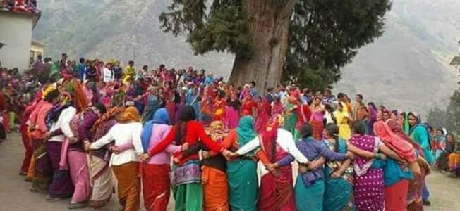 उत्तराखंड- लौट आई गांवों की रंगत, ध्याणियों के झुमेलो, चौंफुला, दांकुणी के गीतों से