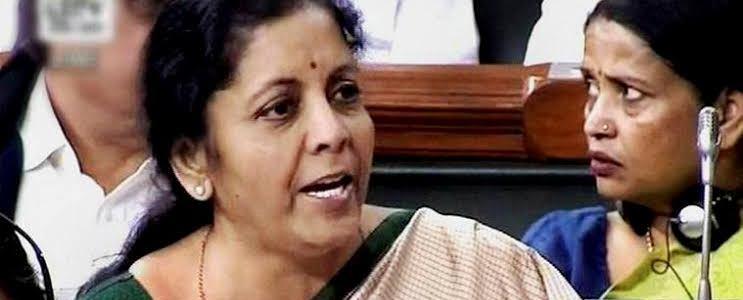 निर्मला सीतारमण ने उस रिपोर्ट को गलत बताया जिसको लेकर  राहुल गांधी ने पीएम पर हमला किया था
