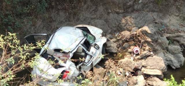 उत्तराखंड – गहरी खाई में गिरी कार, दर्दनाक हादसे में दो की मौत एक व्यक्ति घायल