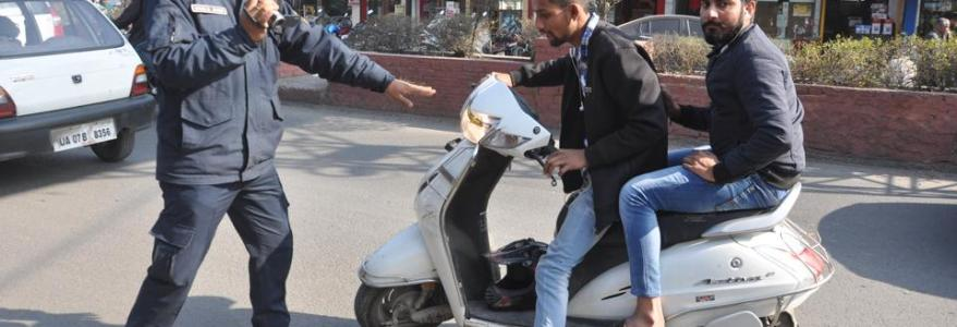 उत्तराखंड : बाइक का 10,000 और कार का 25,000 रुपये का चालान, रकम सुनकर बेहोश हुआ एक ड्राइवर