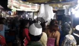 Video उत्तराखंड : बाजार में हुड़दंग मचा रहे युवक को किन्नरों ने जम कर धूना, देखिए