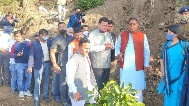 चंपावत और पिथौरागढ़ के बाद अल्मोड़ा पहुंचे सीएम धामी, आपदा प्रभावित क्षेत्रों का निरीक्षण किया और आपदा प्रभावितो से मुलाकात की