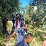 Uttarakhand मुख्यमंत्री धामी ने  चमोली जिले के आपदा प्रभावित डुंग्री गांव का दौरा किया, लापता लोगों के परिजनों से मुलाकात की