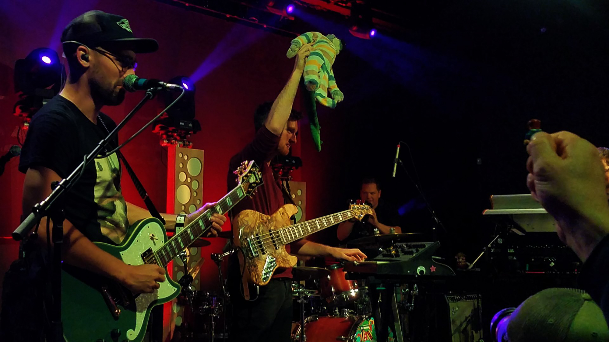 Aqueous Impress in Saratoga Springs, Covers The Raconteurs, Tame Impala