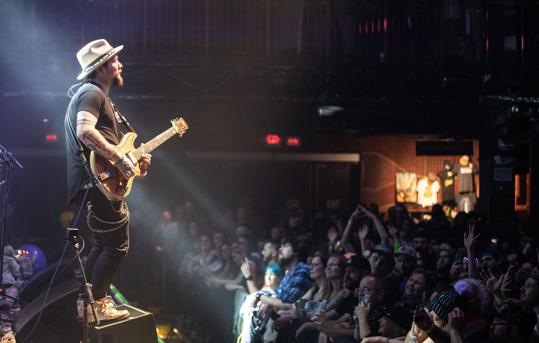 Mihali Announces New Album 'Breathe and Let Go'