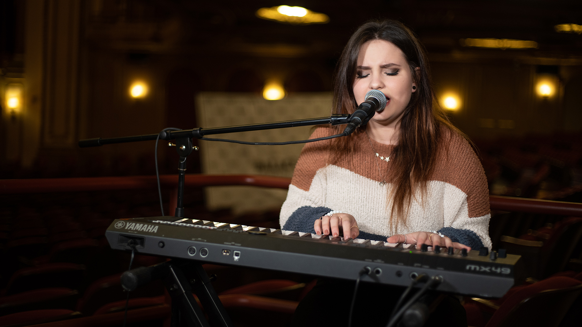 """VIDEO: Madison VanDenburg Performs """"For You"""" Live at the Palace Theatre in Albany, NY"""