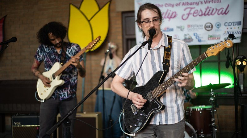 """VIDEO: Bad Mothers Performs """"Cool Whiplash"""" and """"Why Bother"""" in Washington Park 