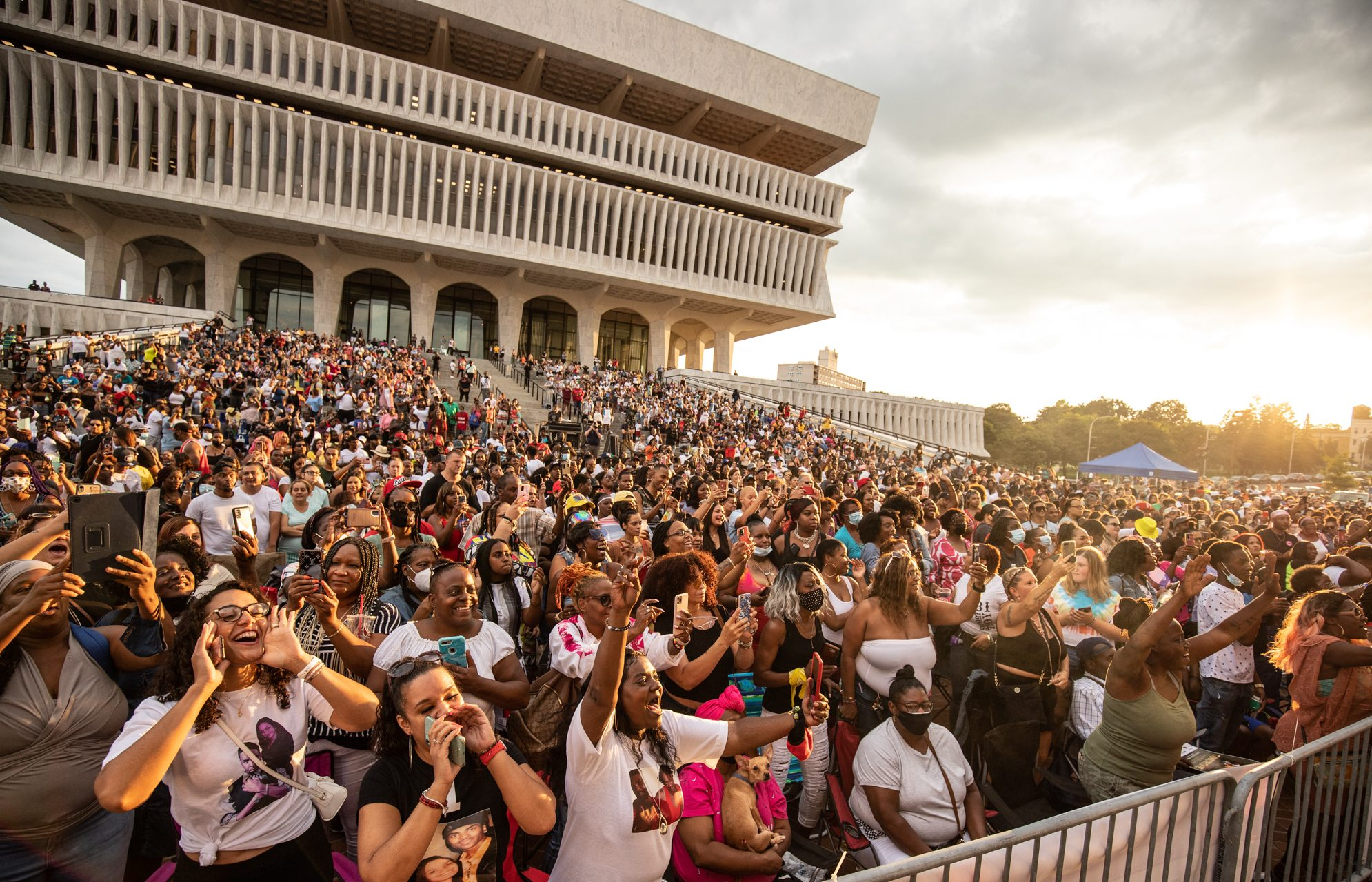 Ginuwine Kicks off Live Music Series at Empire State Plaza in Albany, NY Performing to Thousands