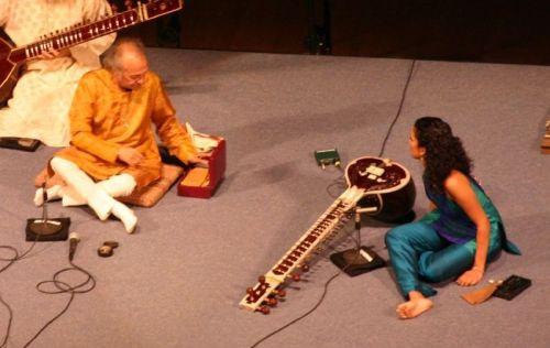 RIP Pandit Ravi Shankar: Legendary Sitar Maestro... Ravi and Anoushka in concert 2005