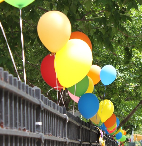 Weekly Photo Challenge: WEIGHT(LESS) - Colorful Balloons