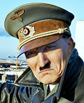 アドルフ・ヒトラー(オリヴァー・マスッチ)