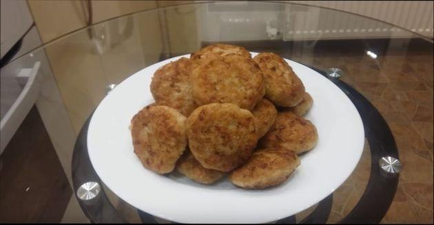 kurinye-kotlety-recepty-vkusnyh-i-sochnyh-kotlet-iz-gotovogo-kurinogo-farsha